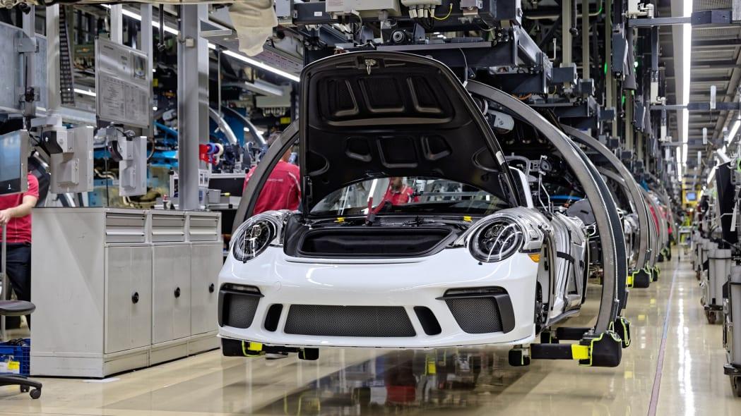 Porsche-911-Speedster--production