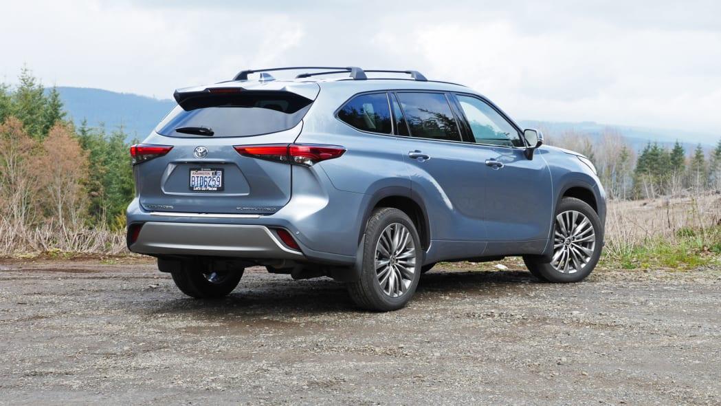 2020 Toyota Highlander Platinum rear