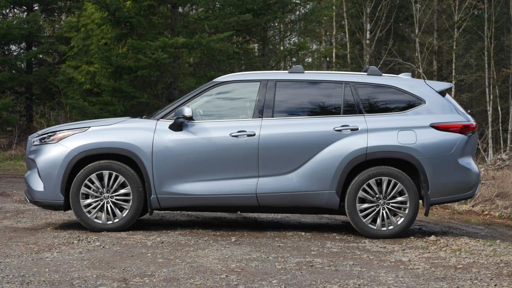 2020 Toyota Highlander Platinum profile
