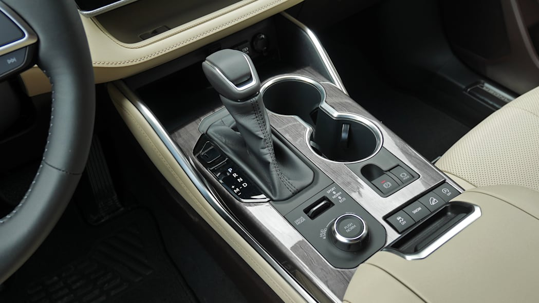2020 Toyota Highlander Platinum center console controls