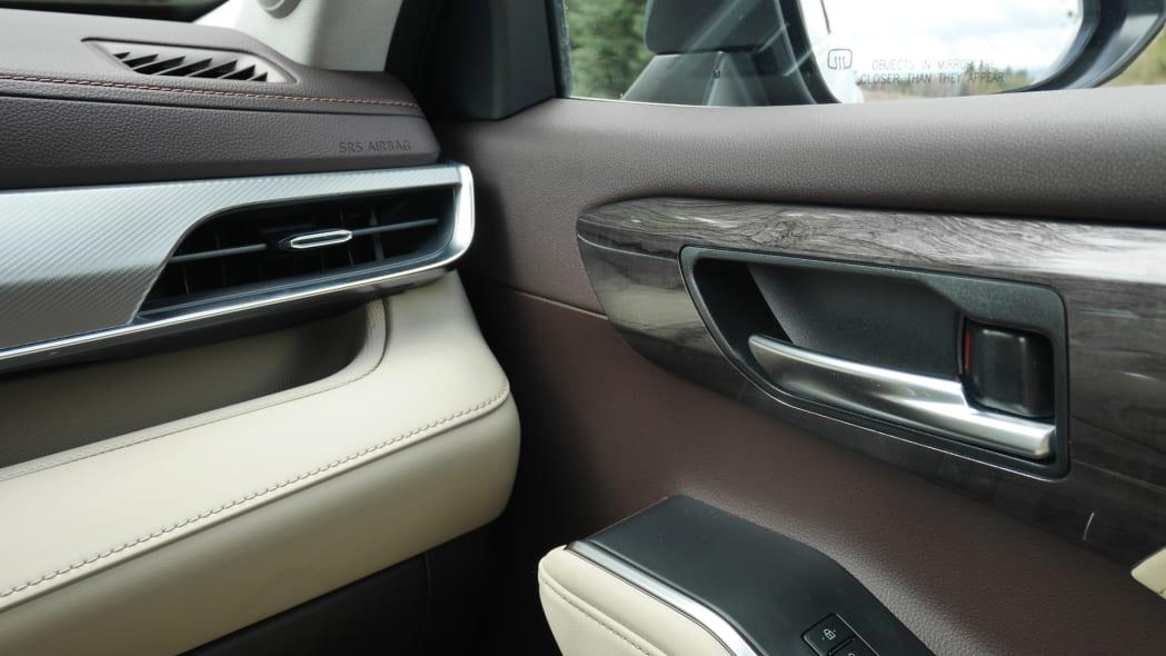 2020 Toyota Highlander Platinum interior trim 1