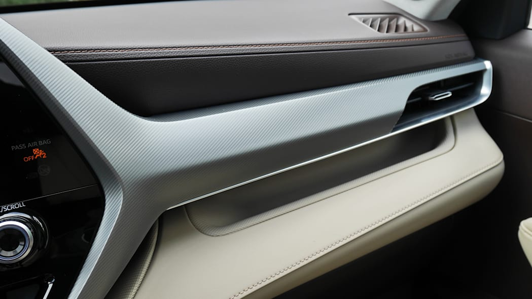 2020 Toyota Highlander Platinum interior trim