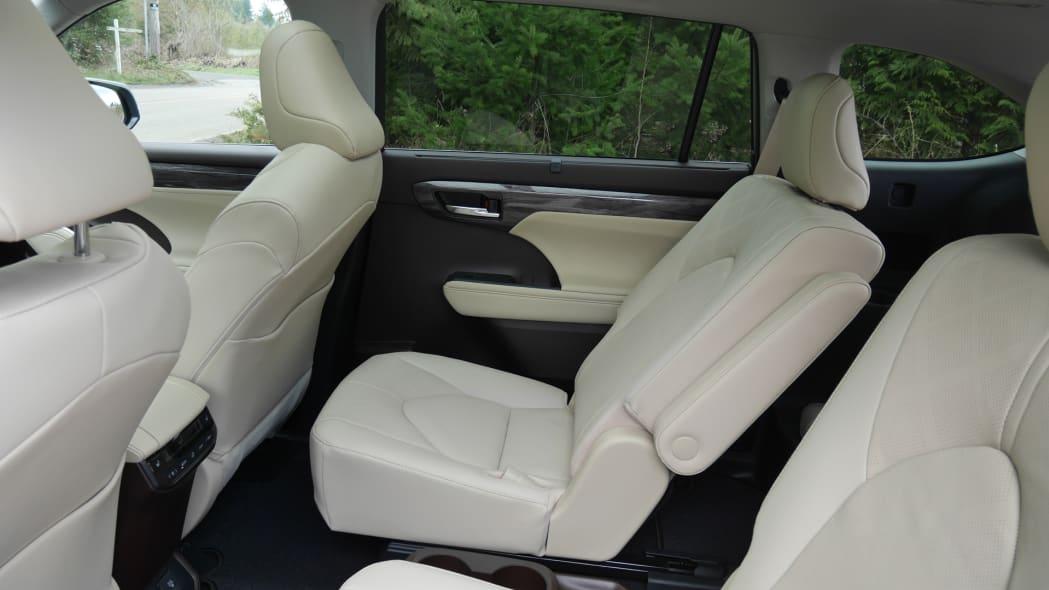 2020 Toyota Highlander Platinum second row full recline