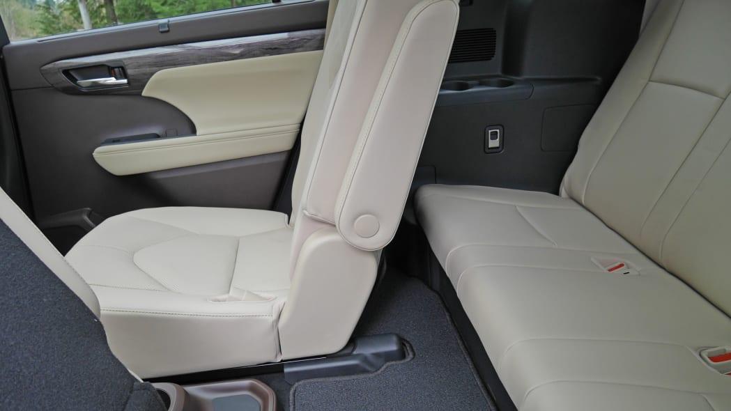 2020 Toyota Highlander Platinum third row 2