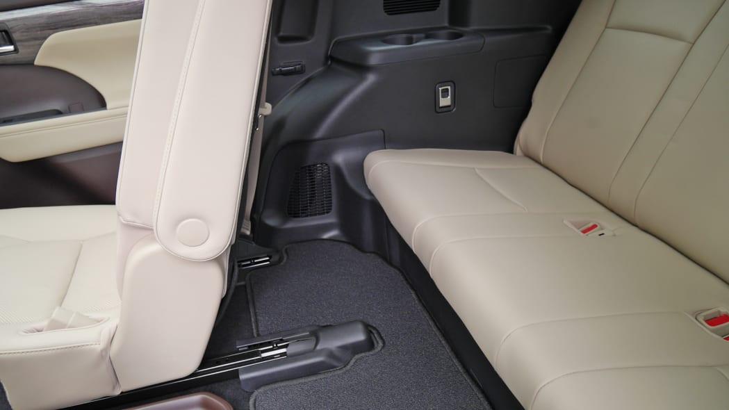2020 Toyota Highlander Platinum third row 3