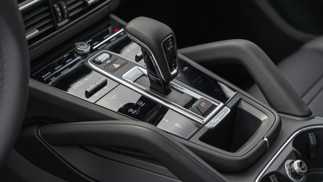 2020 Porsche Cayenne Turbo Coupe center console