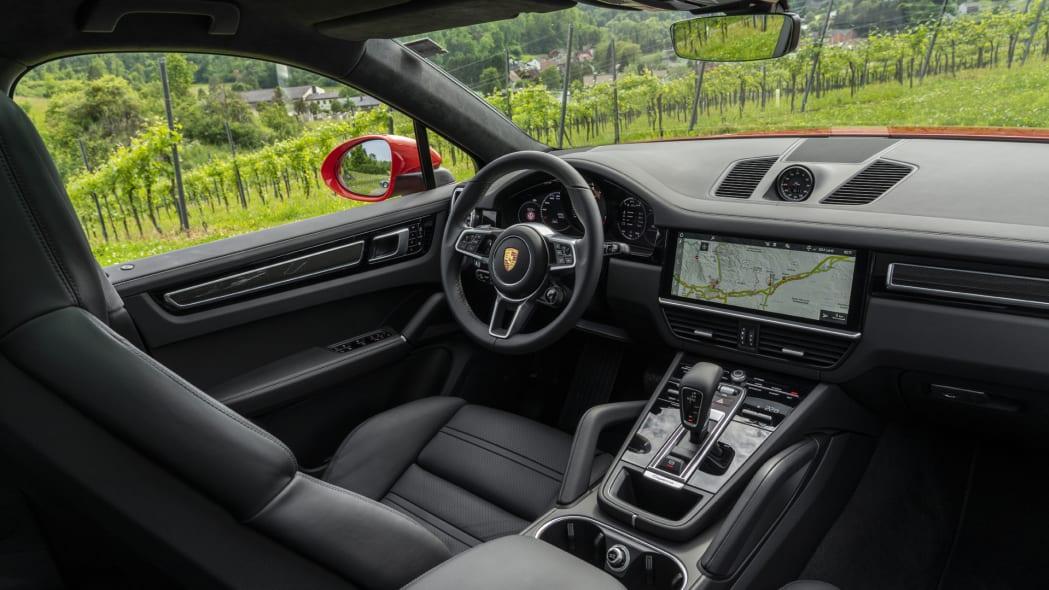 2020 Porsche Cayenne Turbo Coupe dash 1