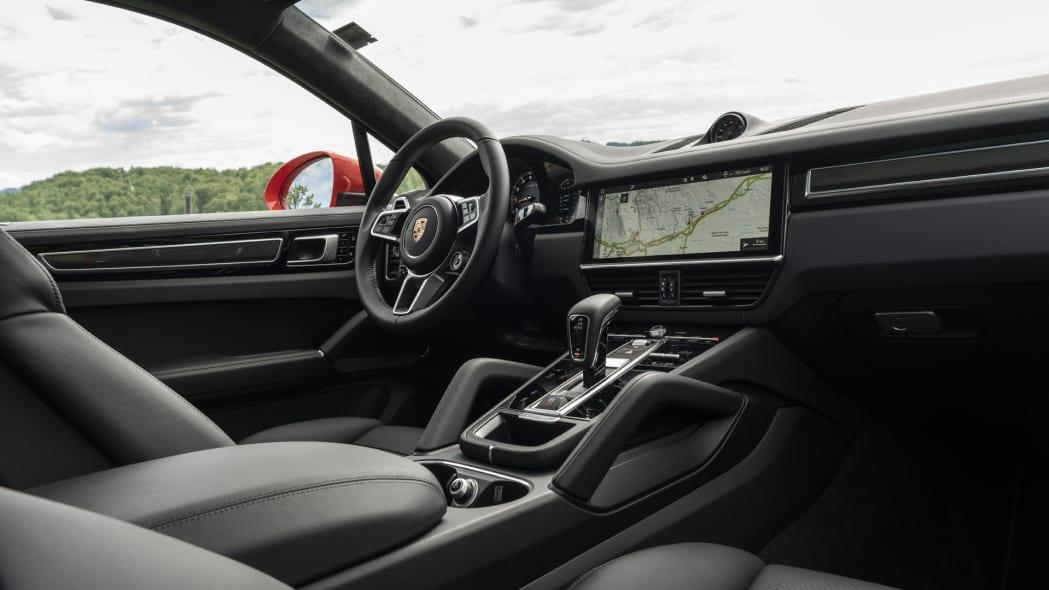 2020 Porsche Cayenne Turbo Coupe dash 2