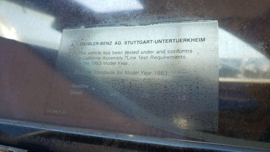 04 - 1983 Mercedes-Benz 380 SEC in California Junkyard - photo by Murilee Martin