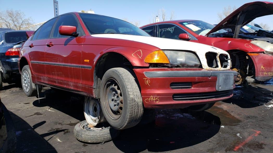 31 - 1999 BMW 323i in Colorado Junkyard - photo by Murilee Martin