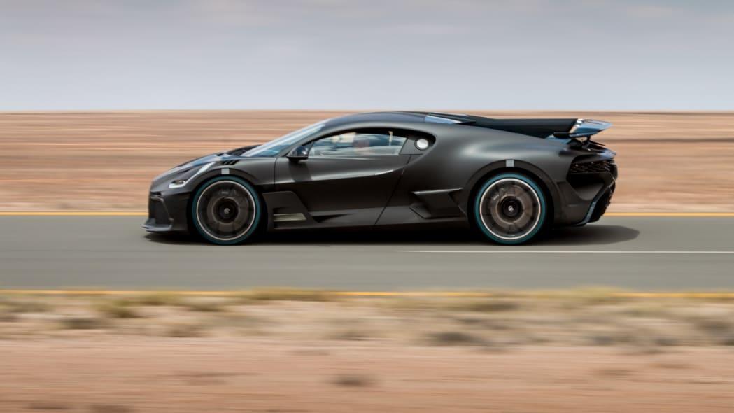 Bugatti Divo development
