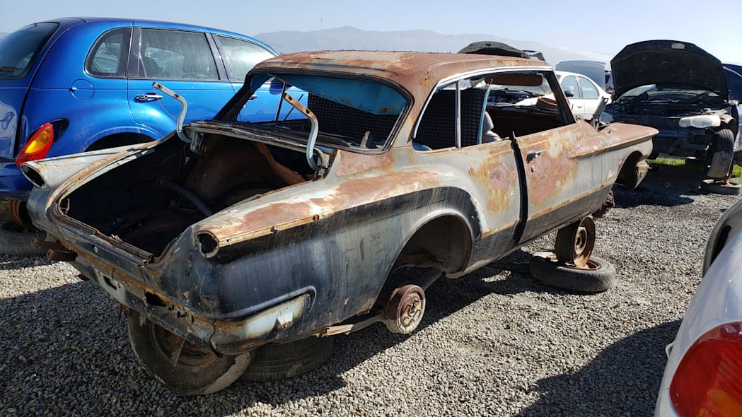 23 - 1961 Plymouth Valiant in California Junkyard - photo by Murilee Martin
