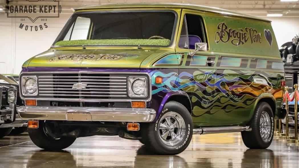 1975-chevrolet-g10-boogie-van fr 3 4
