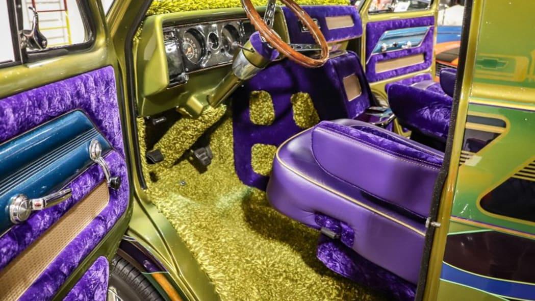 1975-chevrolet-g10-boogie-van dr seat