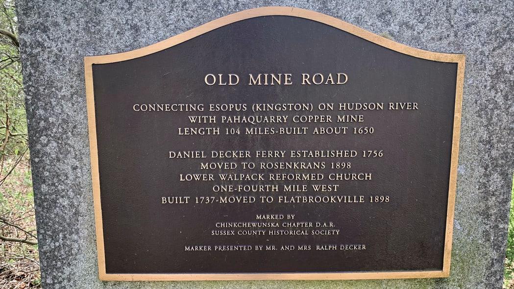 rolls-royce-cullinan-old-mine-road-23