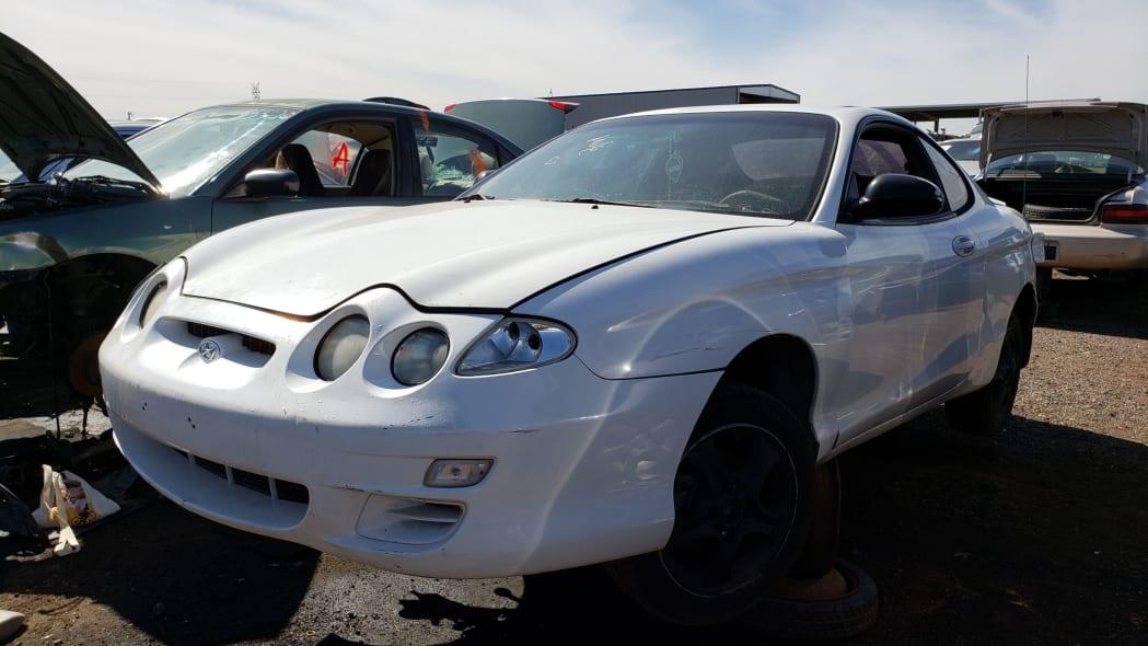 26 - 2000 Hyundai Tiburon in Arizona Junkyard - photo by Murilee Martin