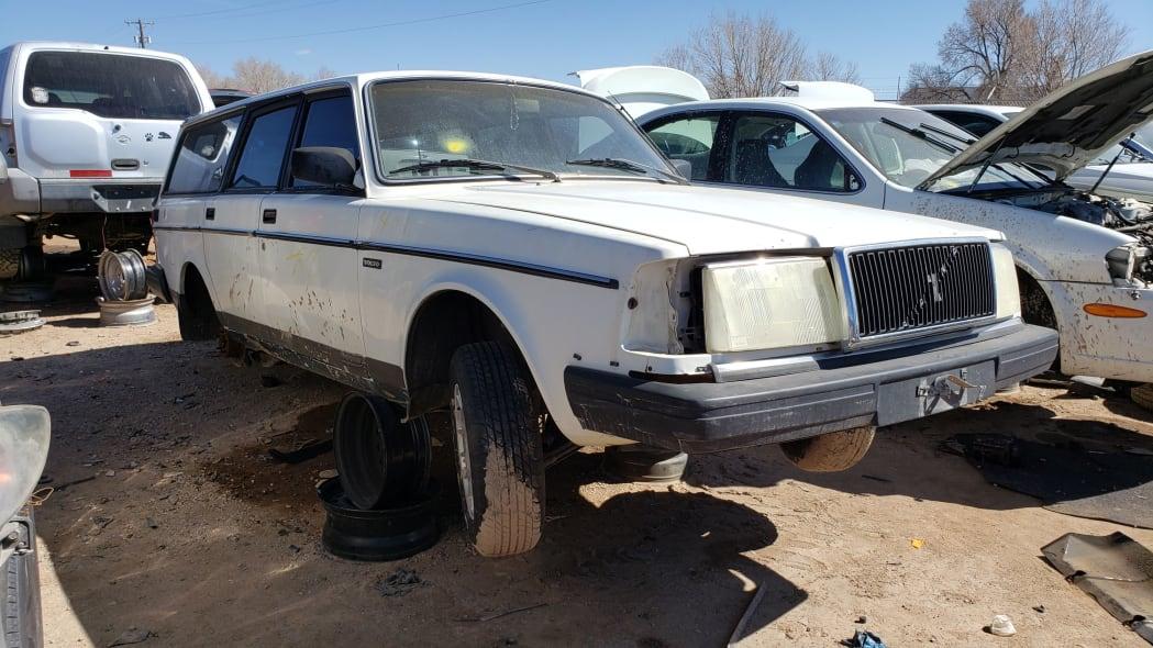 54 - 1987 Volvo 245 Wagon in Colorado Junkyard - photo by Murilee Martin