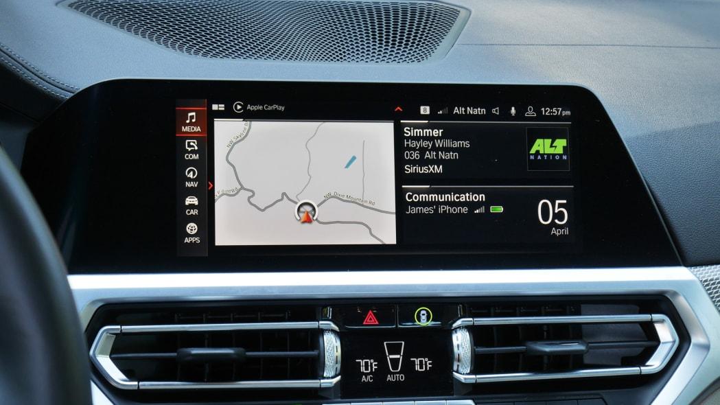 2020 BMW M340i touchscreen