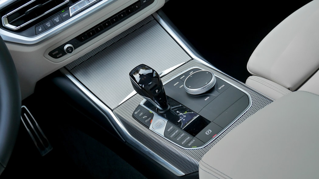 2020 BMW M340i center console full