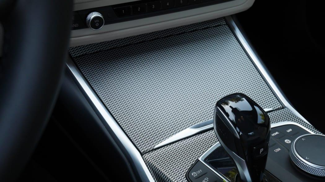 2020 BMW M340i center console