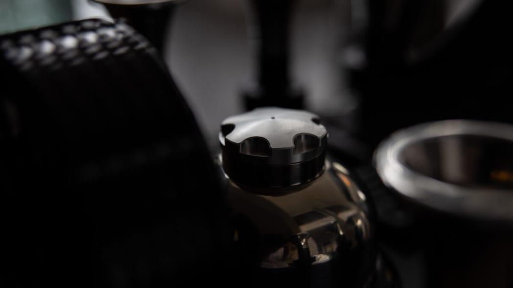 5e32a988ce19117b419edfb1_Espresso-Veloce-RS-Black-Edition0002