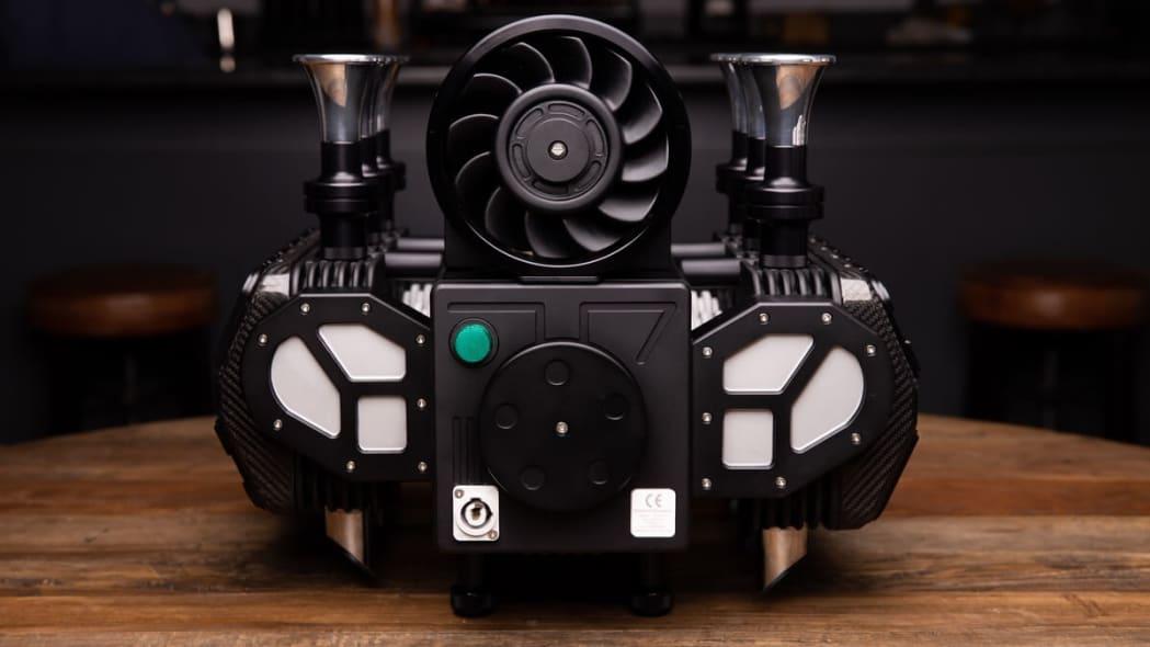 5e32a989bd23a2a282a619fb_Espresso-Veloce-RS-Black-Edition0007