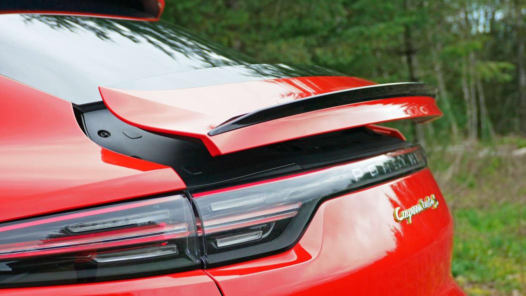 2020 Porsche Cayenne Coupe Turbo S E-Hybrid spoiler
