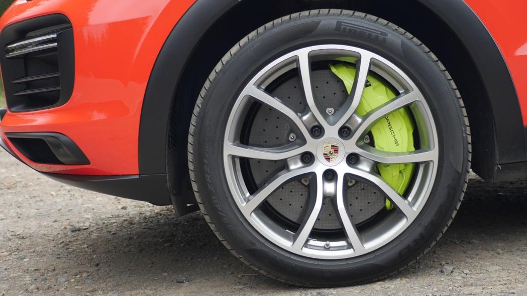 2020 Porsche Cayenne Coupe Turbo S E-Hybrid wheel