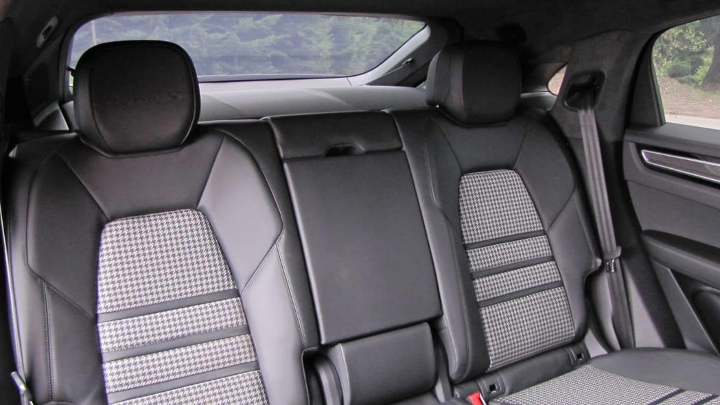2020 Porsche Cayenne Coupe Turbo S E-Hybrid back seat plus rearview