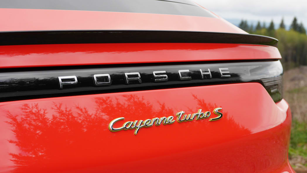 2020 Porsche Cayenne Coupe Turbo S E-Hybrid badge