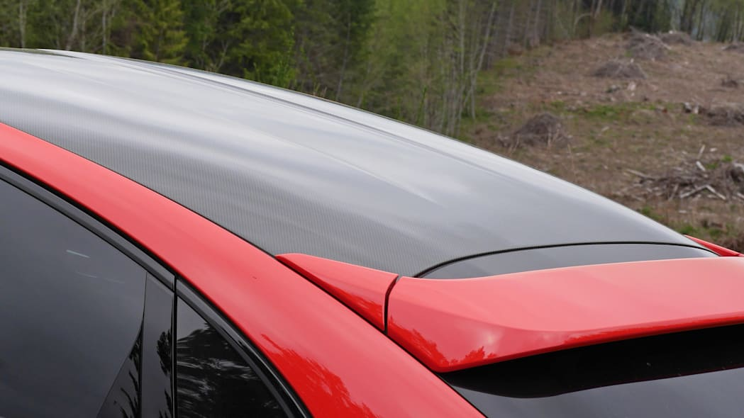 2020 Porsche Cayenne Coupe Turbo S E-Hybrid carbon fiber roof