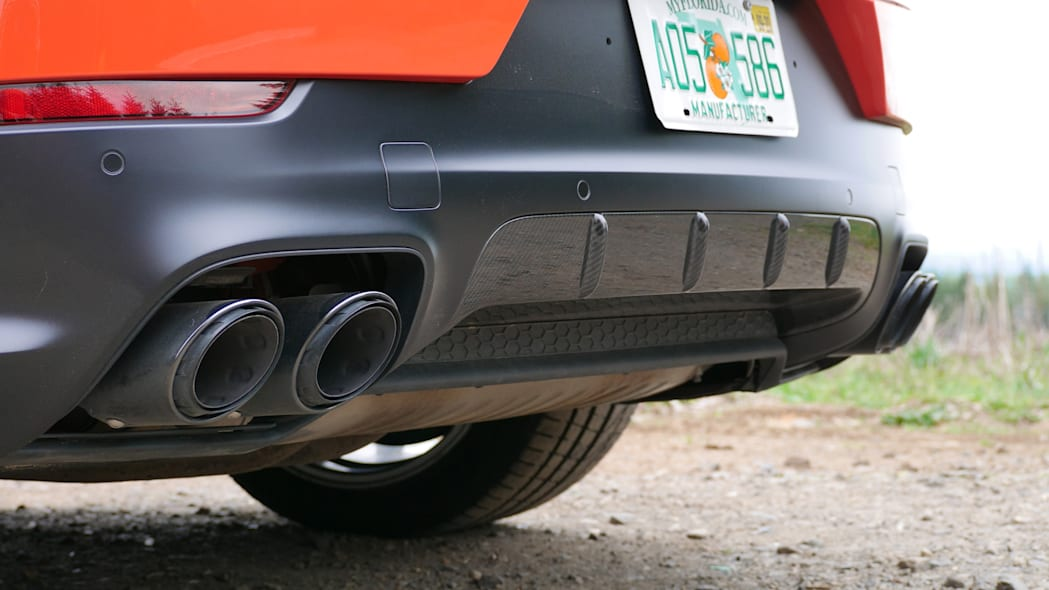 2020 Porsche Cayenne Coupe Turbo S E-Hybrid exhaust