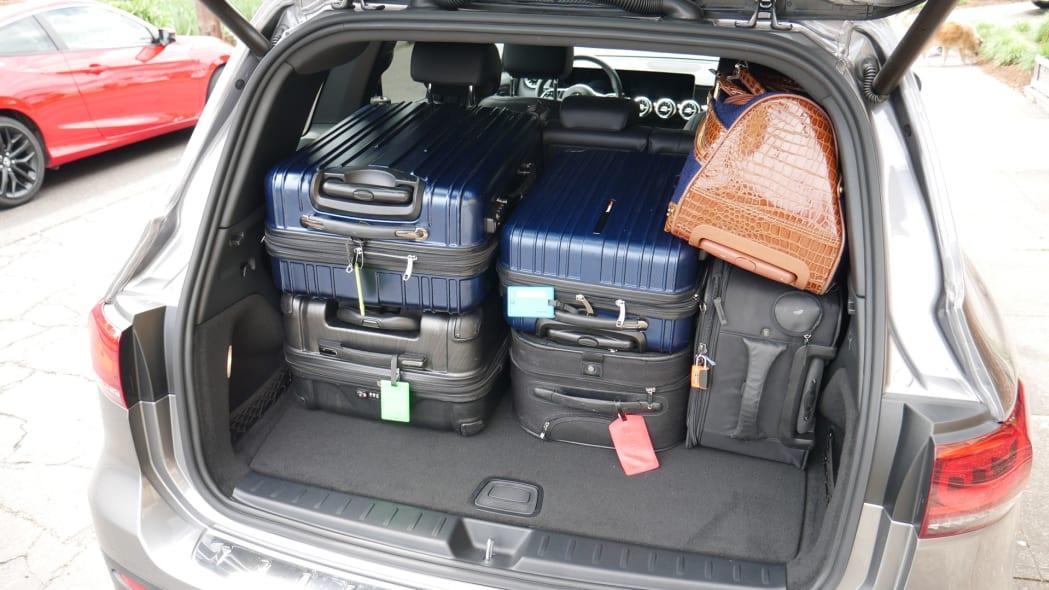 2020 Mercedes GLB Luggage Test floor high