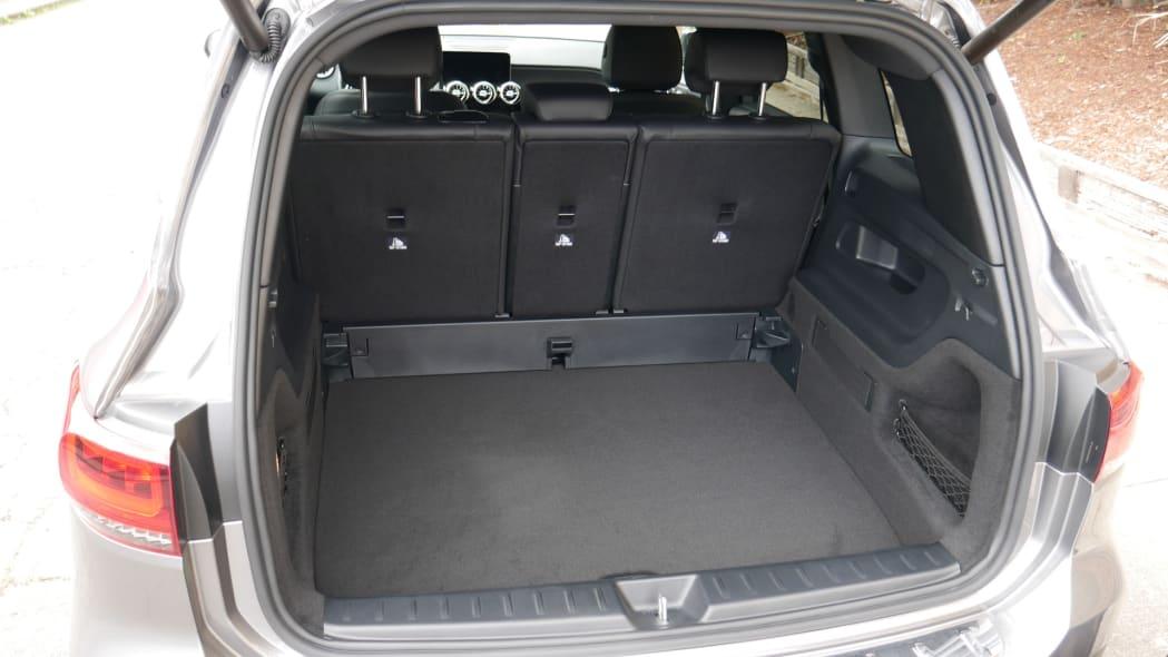2020 Mercedes GLB Luggage Test floor low empty