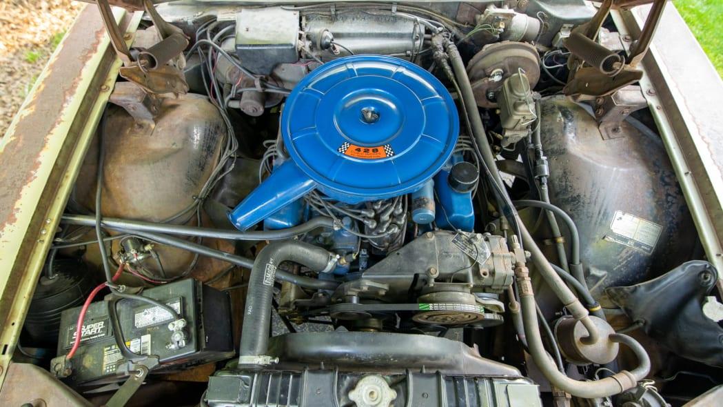 67 Squire, engine