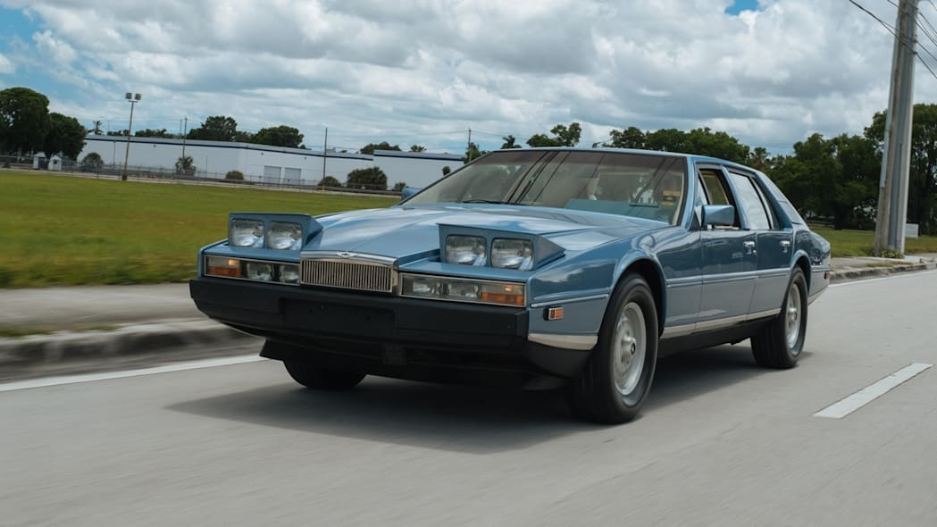 1985 Aston Martin Lagonda 21
