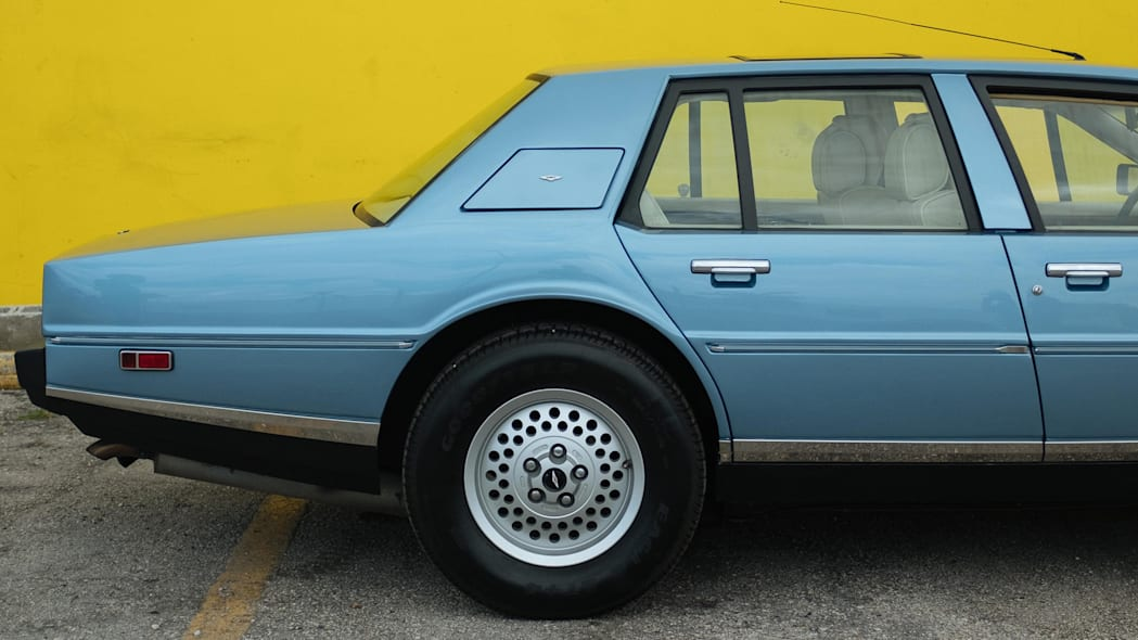 1985 Aston Martin Lagonda 4