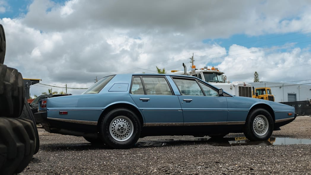 1985 Aston Martin Lagonda 5