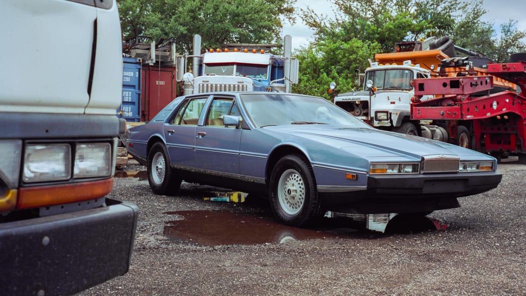 1985 Aston Martin Lagonda 13