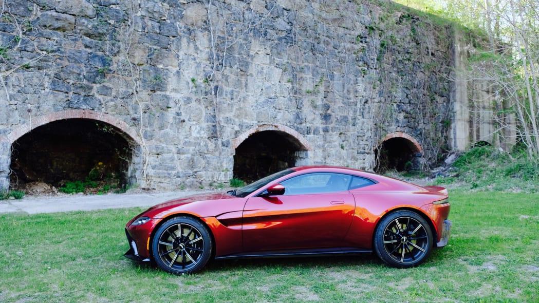 2020 Aston Martin Vantage profile