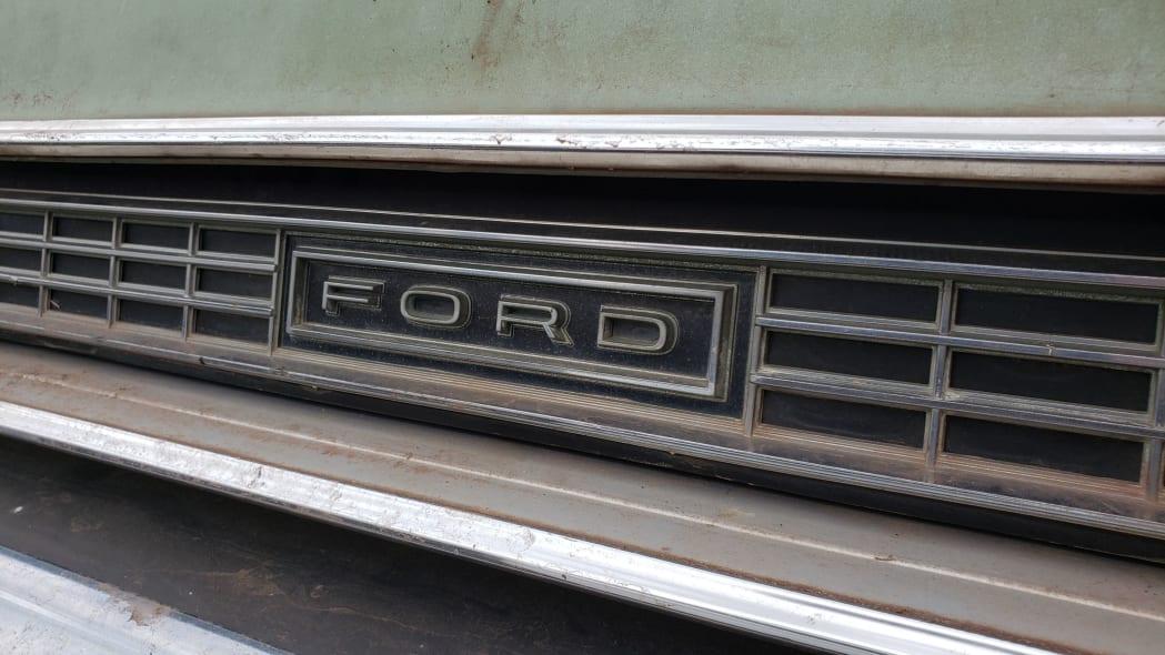 64 - 1973 Ford Galaxie 500 in Colorado Junkyard - photo by Murilee Martin