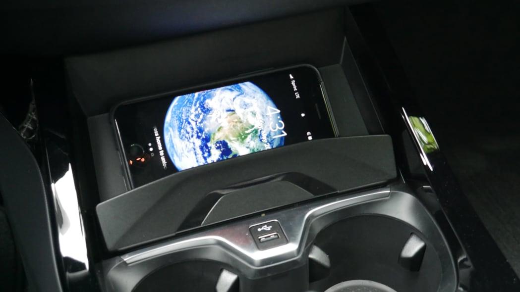 2020 BMW 228i wireless charging 2