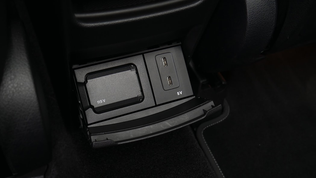 2020 Mercedes GLB 250 rear power ports