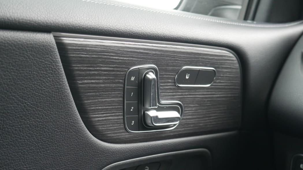 2020 Mercedes GLB 250 seat controls