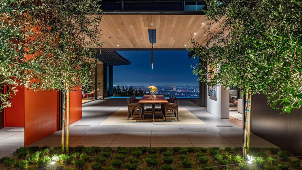 Los Angeles Mansion 15-Car Garage_4