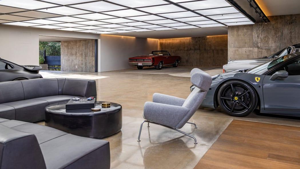 Los Angeles Mansion 15-Car Garage_10