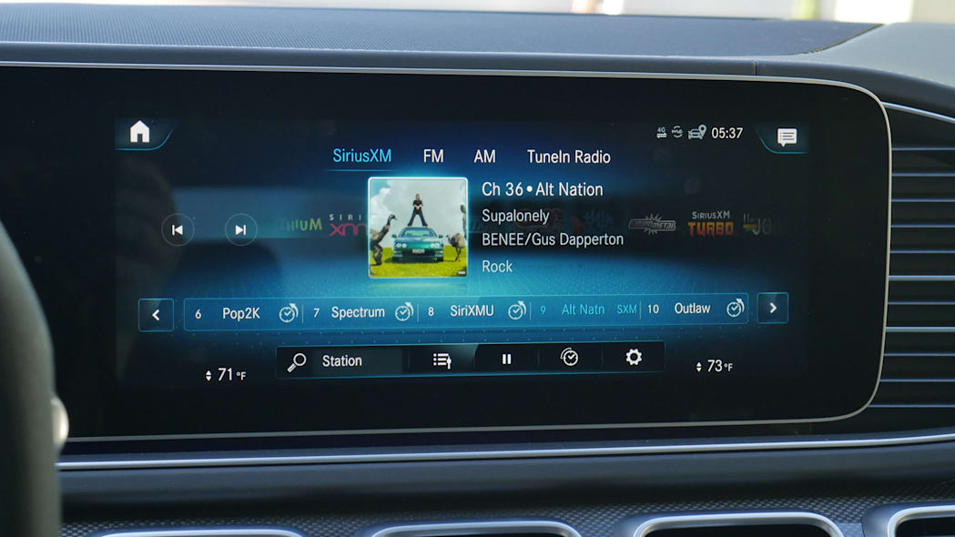 2021 Mercedes-AMG GLS 63 satellite radio classic view