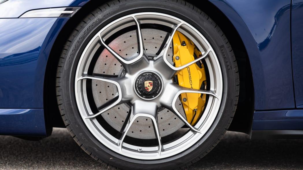 2020 Porsche 911 Turbo S wheel