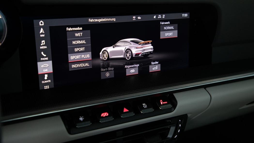2020 Porsche 911 Turbo S drive mode screen