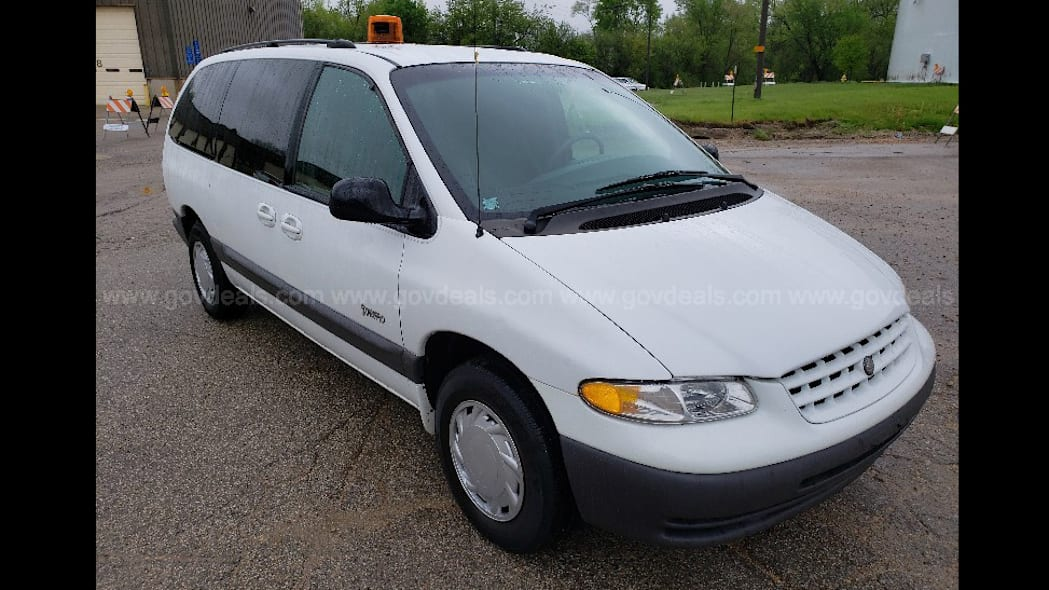 1998 Plymouth Grand Voyager surveillance van